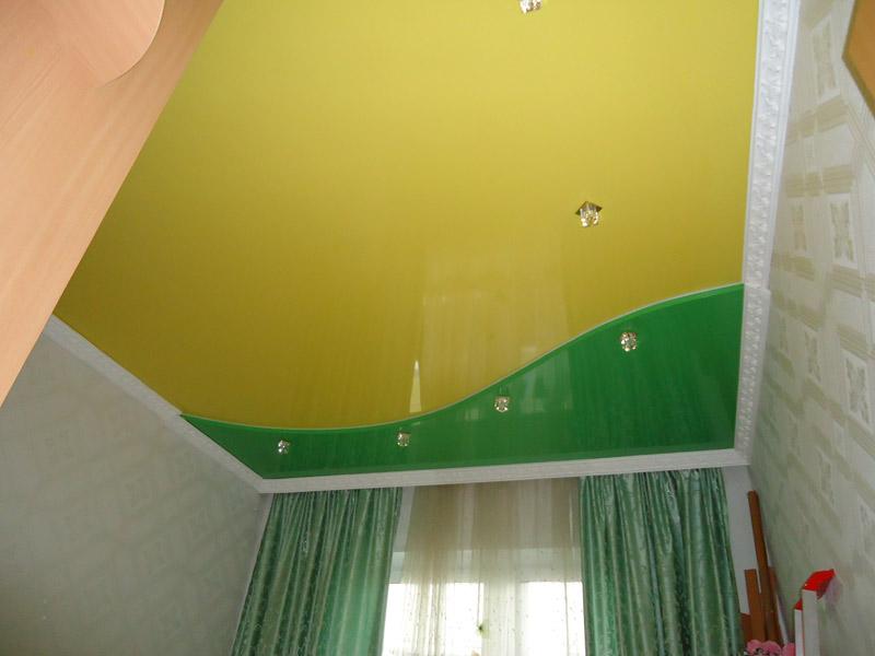 Двухцветные потолки